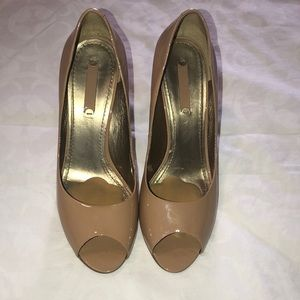 Nine West Size 8 heels Nude